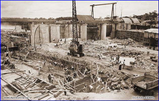 Construction du barrage à Stanleyville en 1954