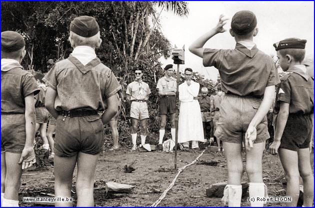 Uniforme guide Scouts Unitaires de France - lamallesufcom